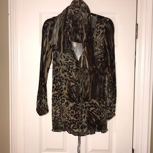 Gorgeous CAbi silk blouse and scarf set Size Small